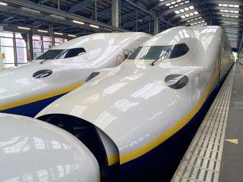 新幹線と師走